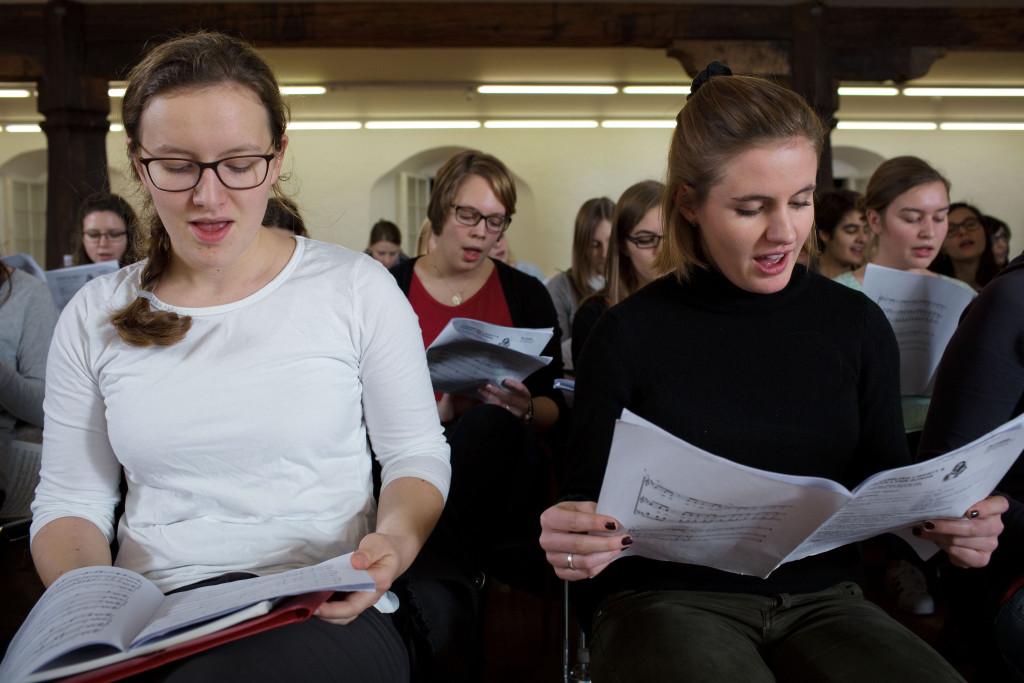 Im Dezember 2015 fand die erste grosse gemeinsame Probe des PH Chors statt.